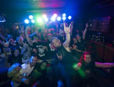 odd-crew-bar-fans-25-11-2016